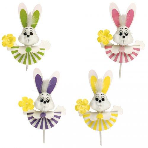 4 coniglietti di Pasqua felici su stuzzicadenti